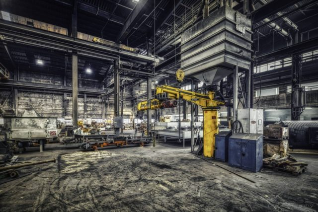 Yellow Arm - A small crane in the old Ferrum foundry