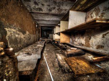 Escape(?) Tunnel - Clinique Du Diable, France