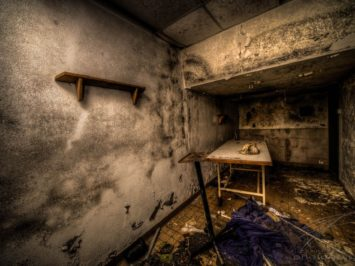 Mortuary Chamber - Clinique du Diable