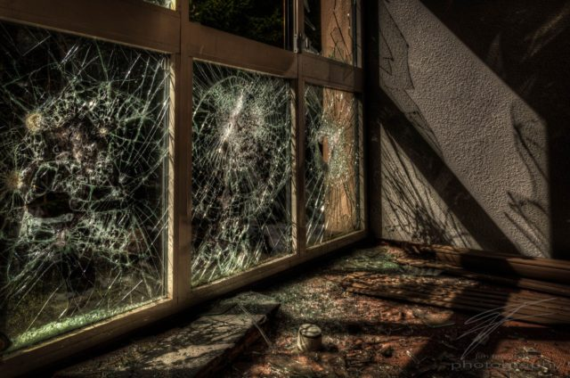 Urbex at the Clinique du Diable, France, Alsace - Glass Shadows