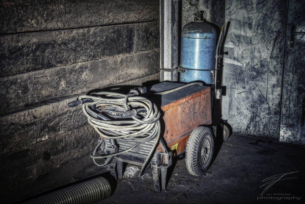 A welder in the corner of the old Ferrum foundry in Schafisheim, Switzerland, Schweiz
