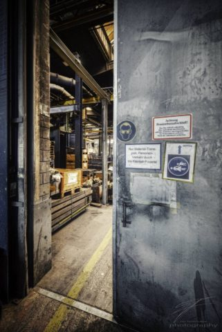 Enter the Foundry - Material transport - but the passage from the warehouse to the foundry