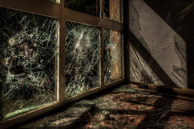 Urbex at the Clinique du Diable, France, Alsace - Glass Shadows