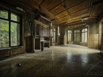 The Study - The workroom in the Château Lumière, an abandoned villa / mansion in Alsace, France