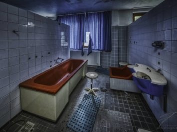 Sylvia's red Bath Tub